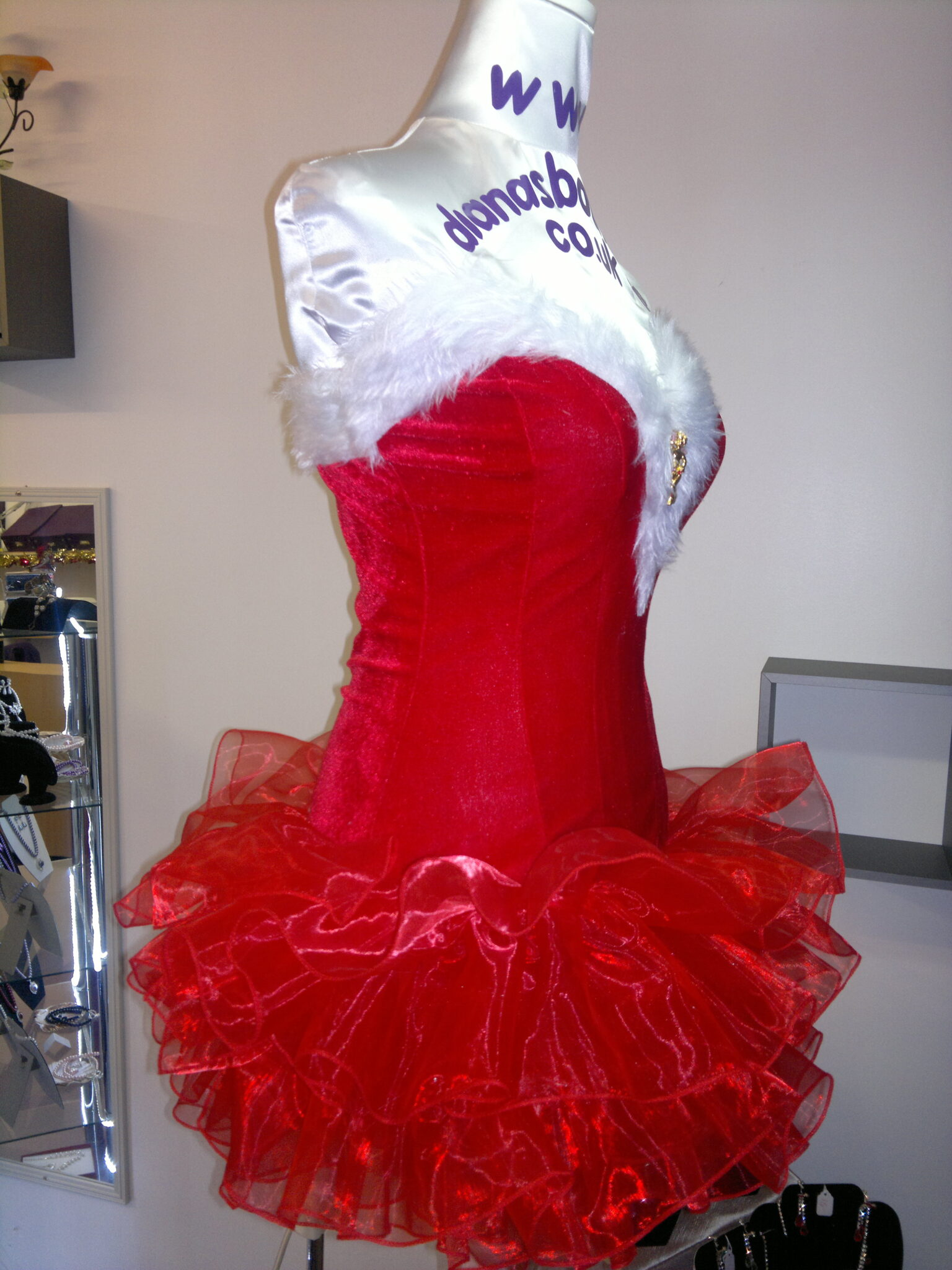 Hull party dress with lights